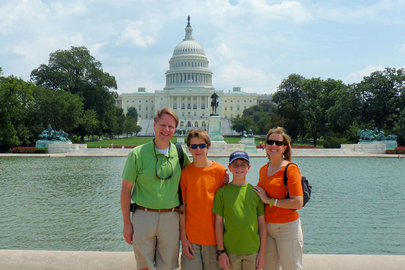 Family with the Capitol behind