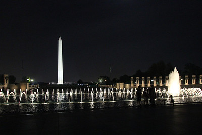 Photo of the Washington Monument from the World War II Memorial.