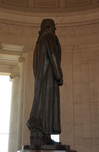 Jefferson Memorial  (bronze statue by sculptor Rudolph Evans)