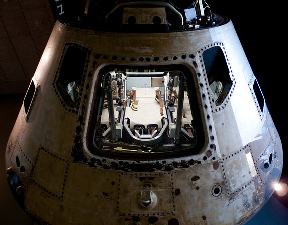 Smithsonian Air and Space - One of the skylab mission Apollo capsules