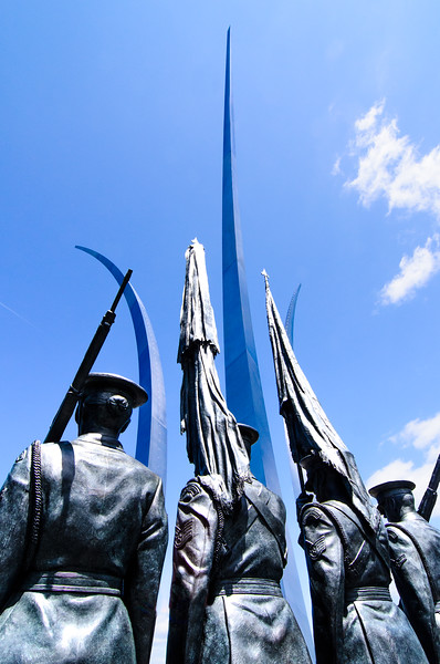 US Air Force Memorial - The Memorial consists of statuary depicting an honor guard in Air Force dress uniforms, as well as three spires arcing into the sky.  The spires represent the contrails of jet fighters as seen in the famous exhibitions by the Blue Angels.