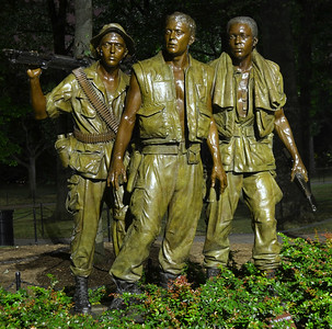 Vietnam Veterans Memorial, Three Servicemen Statue (c) 2013 Karin Markert, all rights reserved.