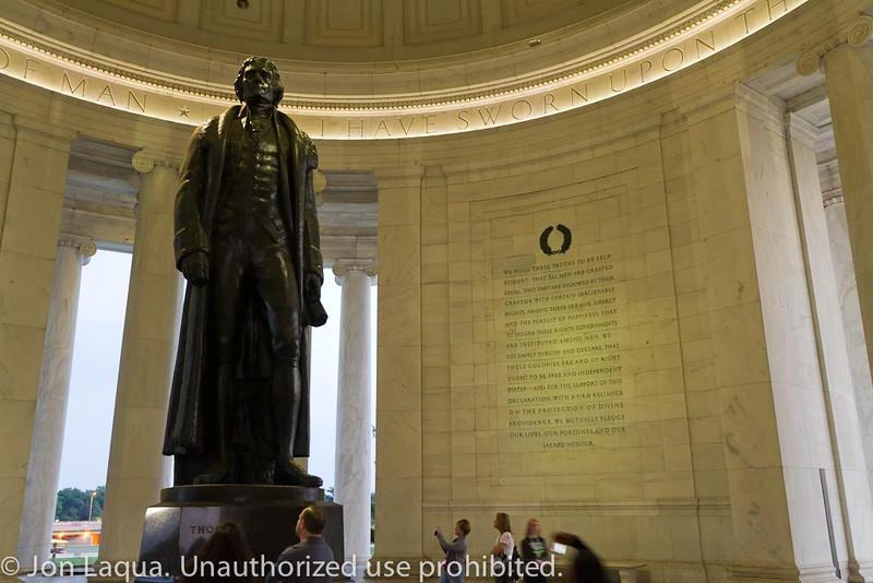 Moonlight Monument Tour. Jefferson Memorial.