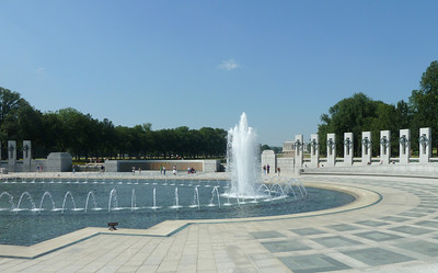 WWII Memorial pool and statuary