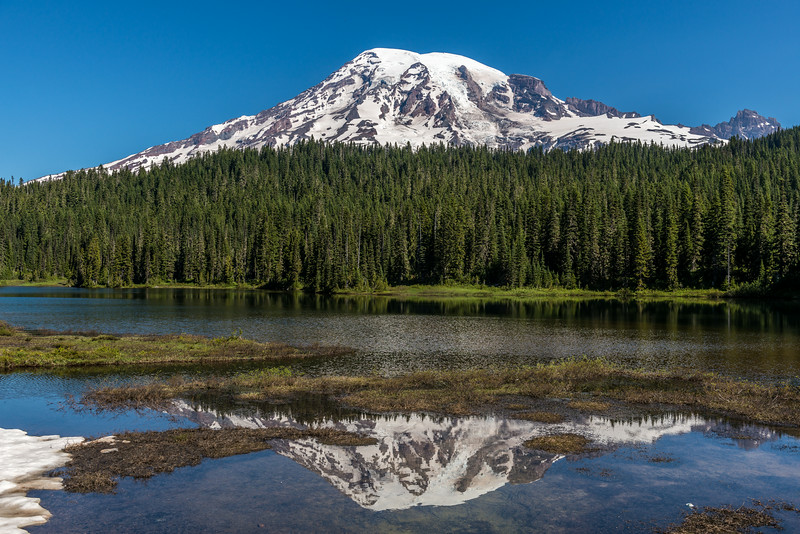 Reflection Lakes and Mount Rainier (4392m)