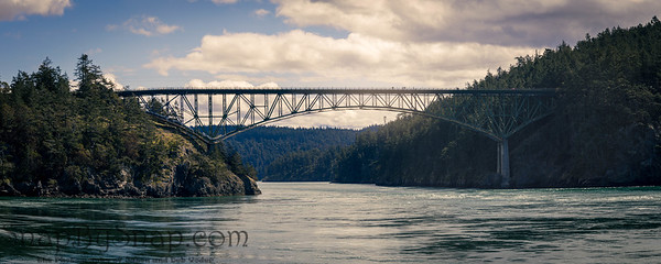 The Deception Pass Bridge connection Anacortes Island with Whidbey Island in Washington state