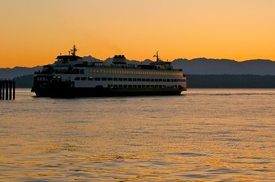 Edmonds-Kingston ferry at sunset