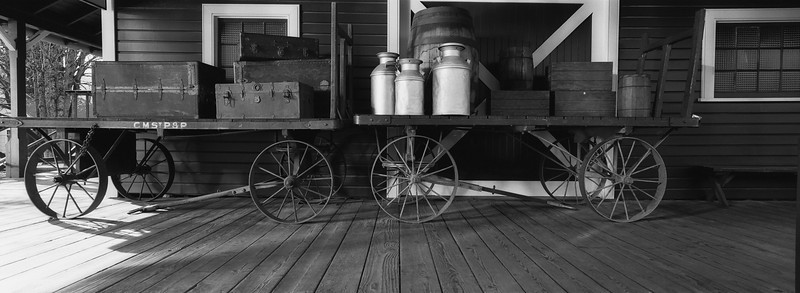 Antique baggage cart, Snoqualmie Train station