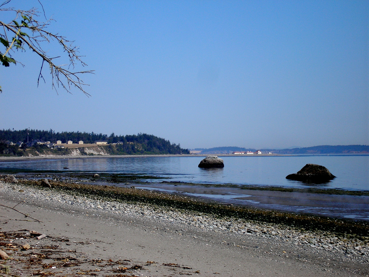 Low tide along Morrowstone point.