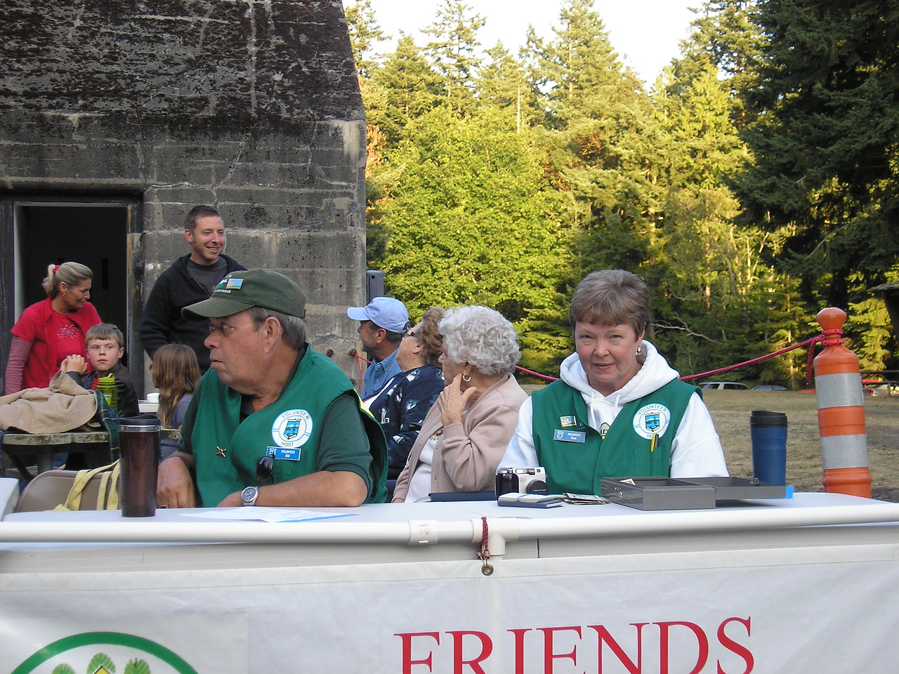 Fellow volunteers Fran and Bill Tickner collected entry fees.
