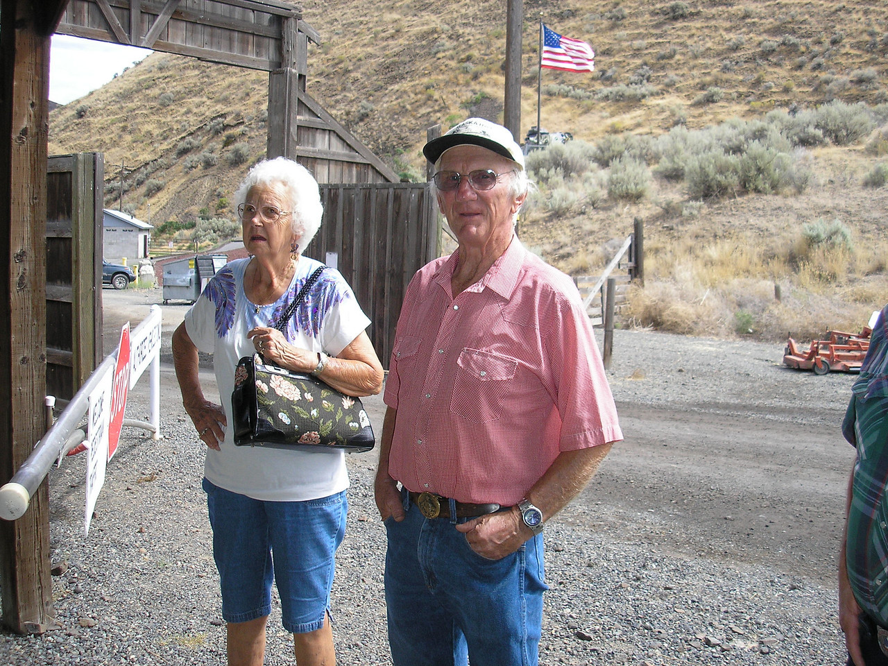 We stayed with Jeanie's Uncle David and Aunt May. They live in Naches, Washington.