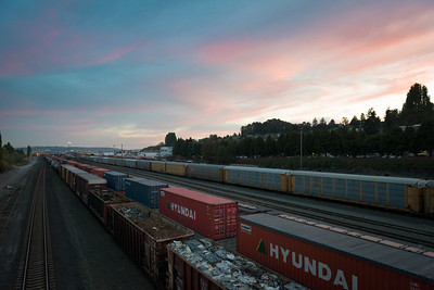 20160929.  Balmer Train Yard, Interbay district, Seattle WA.  Photo from W. Dravus Street Bridge.