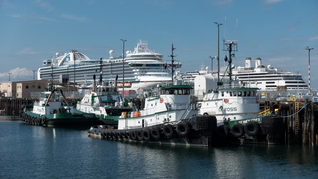 20160717.  Smith Cove cruise ship terminal south of Interbay, Seattle WA.