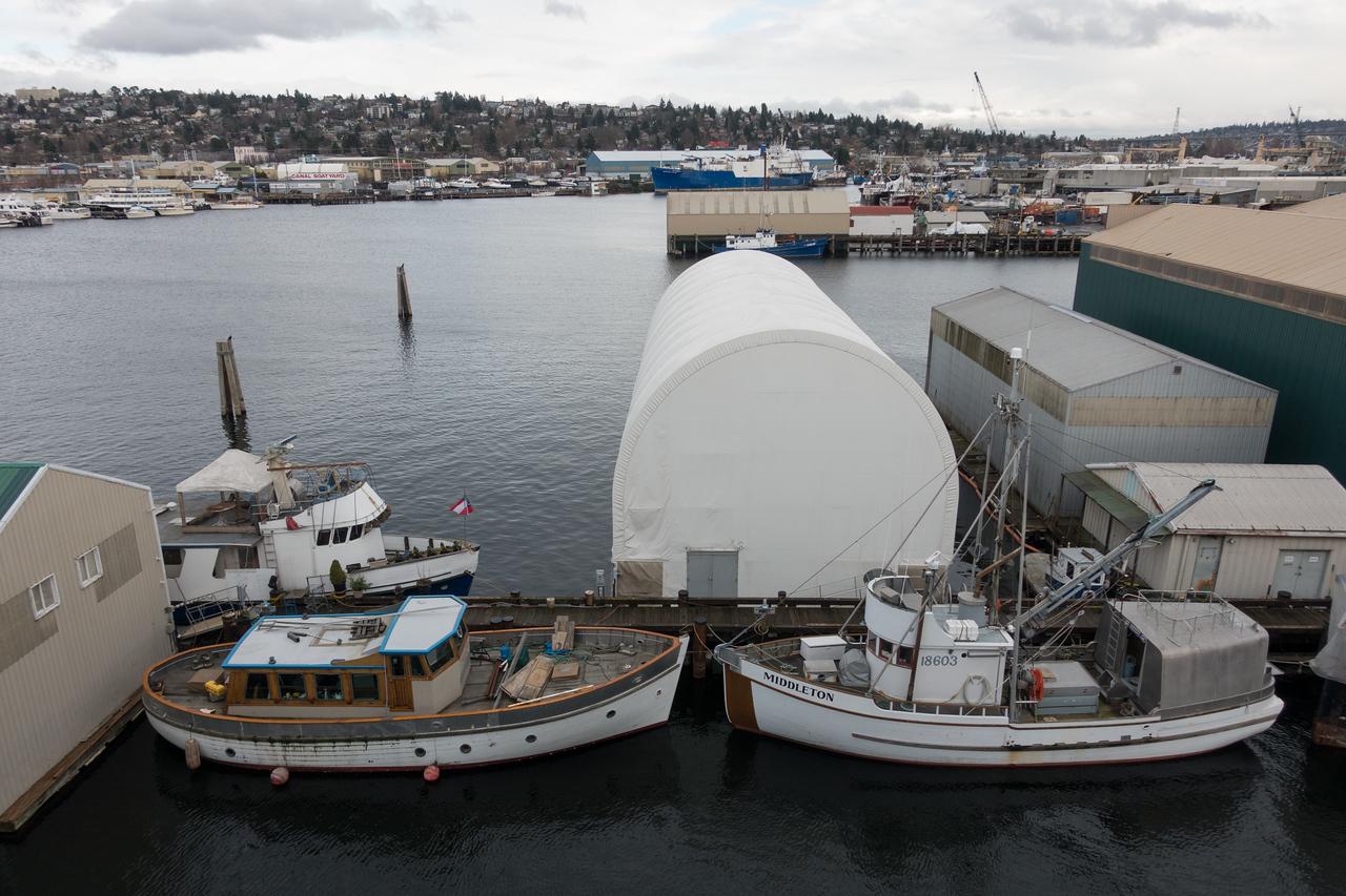 20151220.  Lake Washington Ship Canal from Ballard Bridge, Seattle WA.