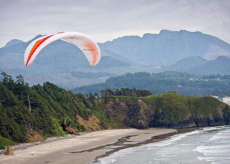 Riding the winds above cliffs at Ecola Park