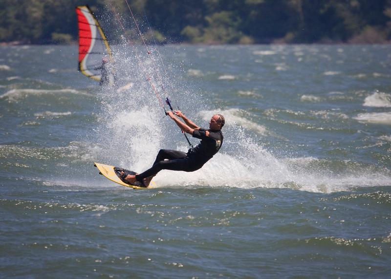 Hood River, Oregon - The Windsurfing and Kiteboarding Capital of the World