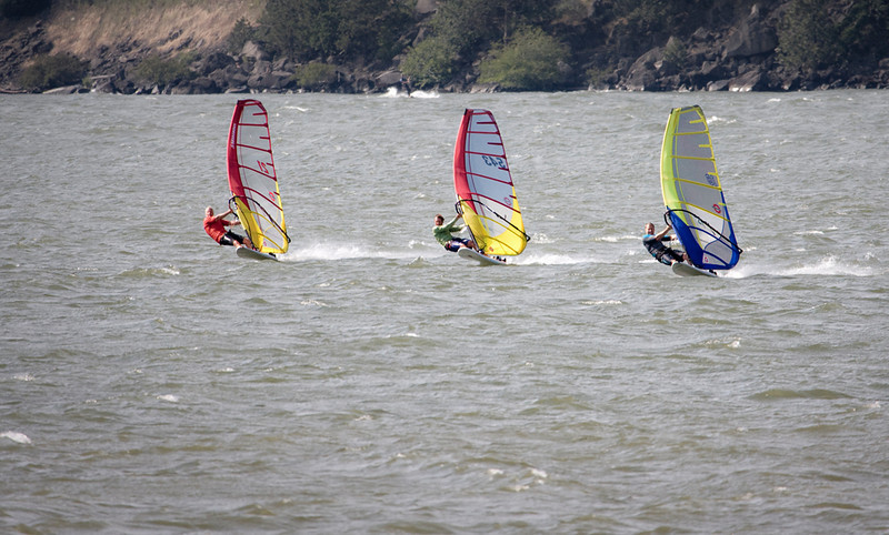 Hood River, Oregon - The Windsurfing and Kiteboarding Capital of the World
