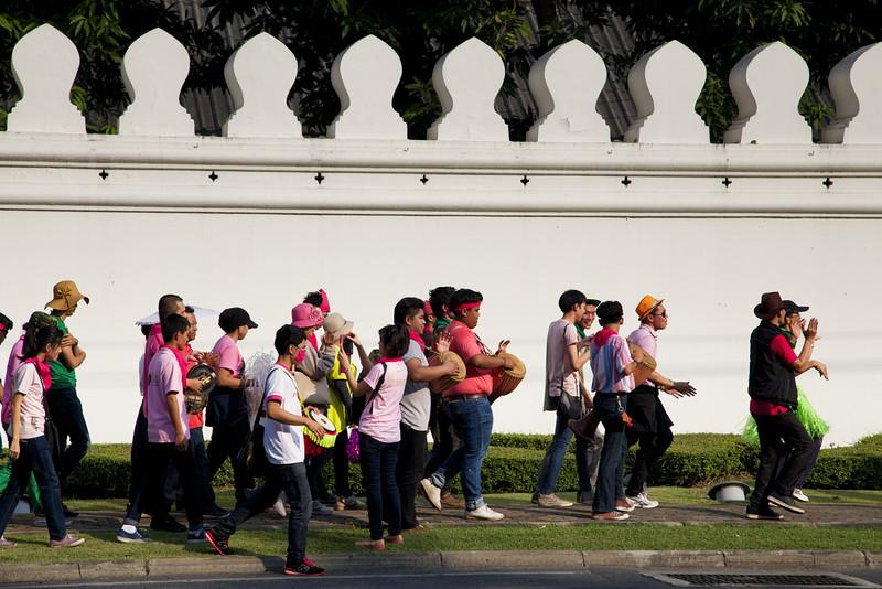 Wat Pho visitors