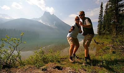 Teamfoto @ Emerald Lake. Yoho National Park, British Columbia, Canada.