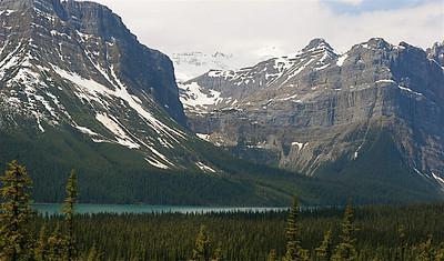 Hector Lake, Waputik Mountain Range. Banff National Park, Alberta, Canada.