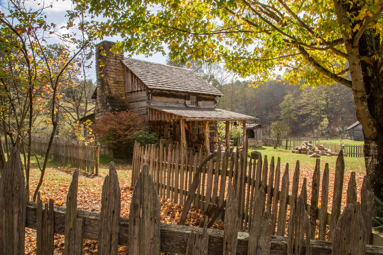 Pioneer Farm house - Twin Falls State Park, WV