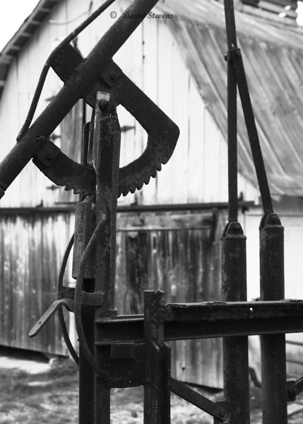 pump barn bw