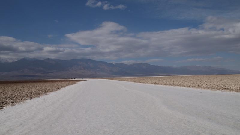 Death Valley-Salt walkway