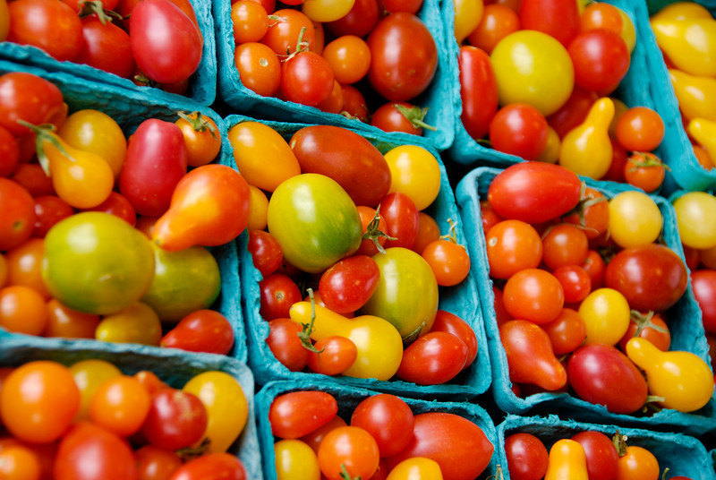 """<span id=""""title"""">Tomatoes</span> Pike Place Market"""