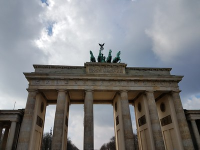 Brandenburg Gate (front)