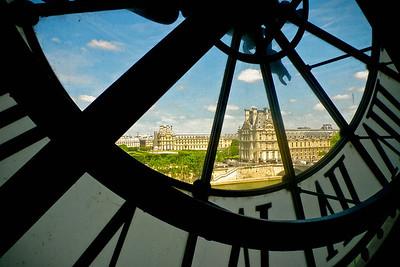 Musée du Louvre seen from Musée d'Orsay, Paris