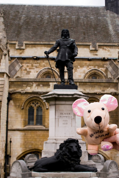 Wingman and Oliver Cromwell at Parliament