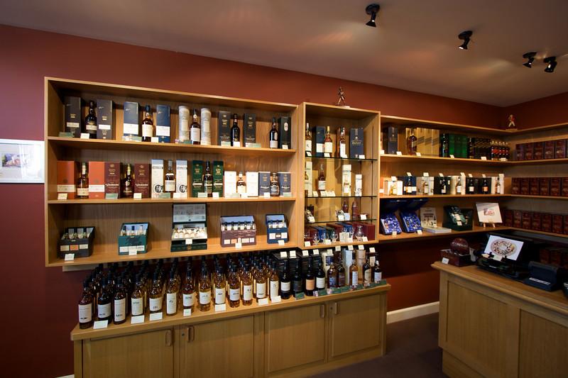 Coleccion de Whiskies de Diageo. Solo uno se produce en esta destileria, de ahi el nombre de single malt.