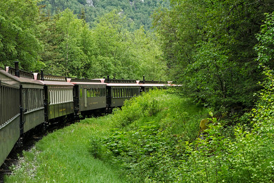 Each railcar has an exterior viewing platform