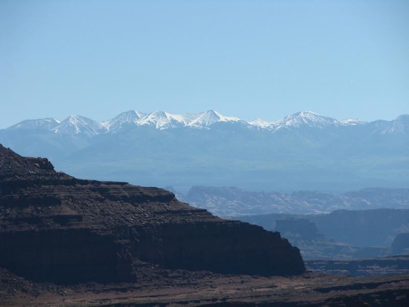 La-Sal mountains pecks were gleeming in the bright sunlight.
