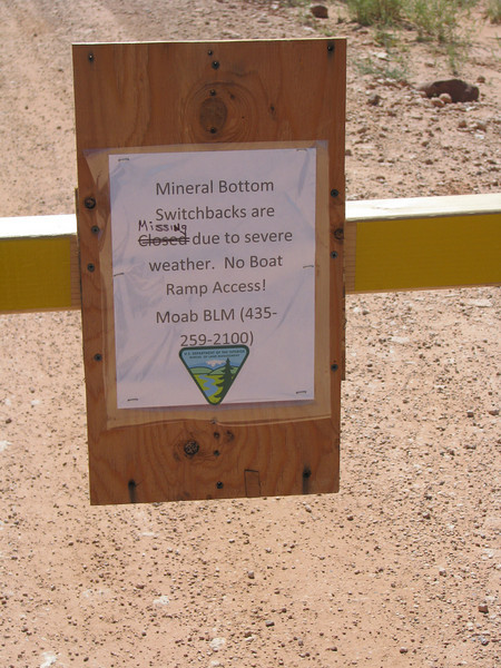 Warning sign at the beginning of of Mineral Road.