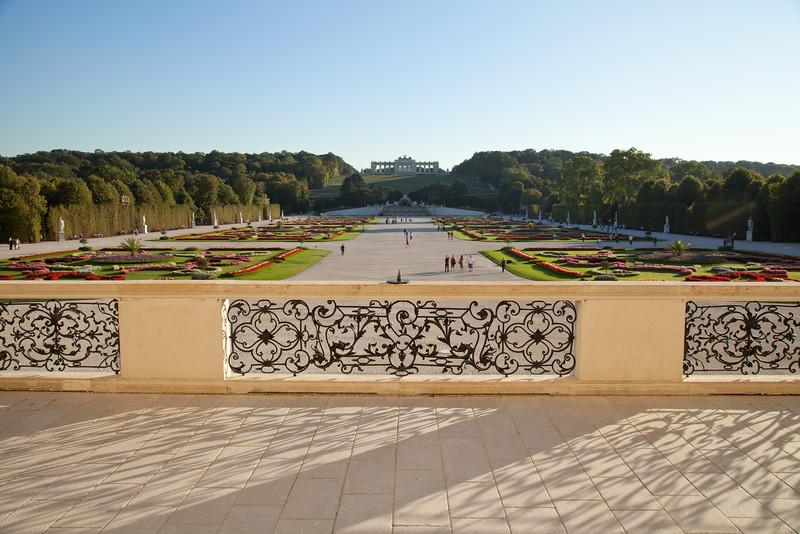 Schönbrunn mit Gloriette