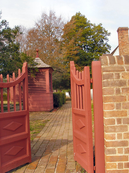 Open the gates to Williamsburg, VA