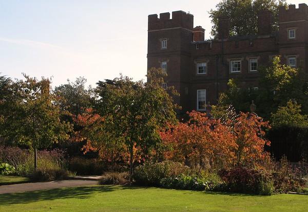 Eton Sports Ground Gardens