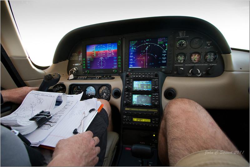 Cockpit and dash of David's Cirrus