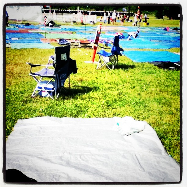 8 hours before KD Lang goes on ppl have laid down tarps #itsmbtime #wff2011