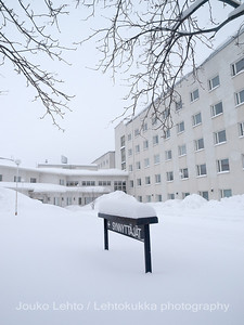 Liki neitseellinen lumi- Almost untouched snow: Länsi-Pohjan keskussairaala, Synnytysosasto - Central hospital, Maternity ward