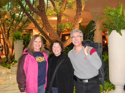 Carol with cousins Fraedy and Alvin at the Fashion Mall on the Las Vegas strip.   Jan, 2011.