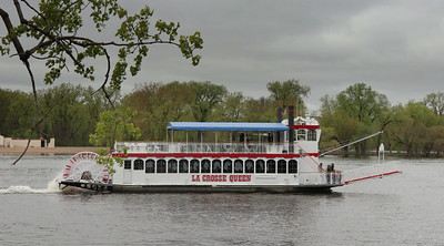 La Crosse Queen Cruises - a slow gentle way to see the Mississippi River