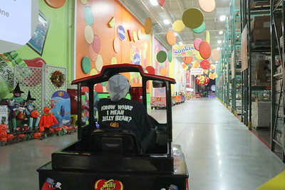 Touring the warehouse and the Jelly Belly story