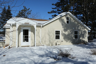 Madison Cottage in the snow