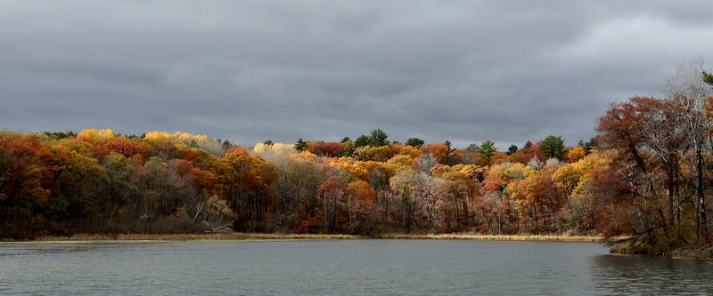 Autumn colors at Chain o'Lakes near Hartman Creek Park
