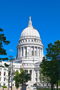 Wisconsin State Capitol from MLK Jr. Blvd.  © Copyright m2 Photography - Michael J. Mikkelson 2009. All Rights Reserved. Images can not be used without permission.