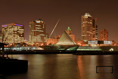 Milwaukee Skyline and Art Musuem  © Copyright m2 Photography - Michael J. Mikkelson 2009. All Rights Reserved. Images can not be used without permission.