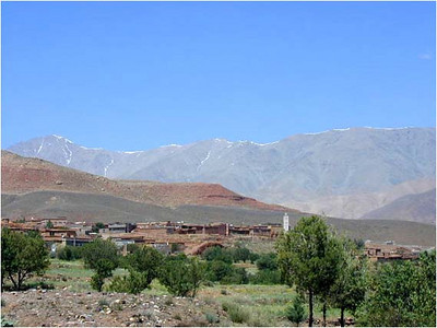 From Telouèt, we look west toward the High Atlas mountains. Tonight we will sleep on the other side in Marrakech.