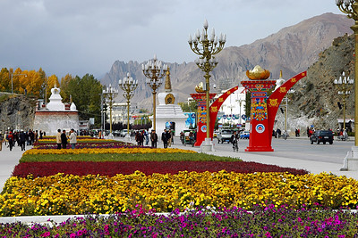 In front of the palace is a wide road and across the road a large square. This photo looks left along the road in front of the palace. There are times it is easy to forget Lhasa is a city of 200,000 people.